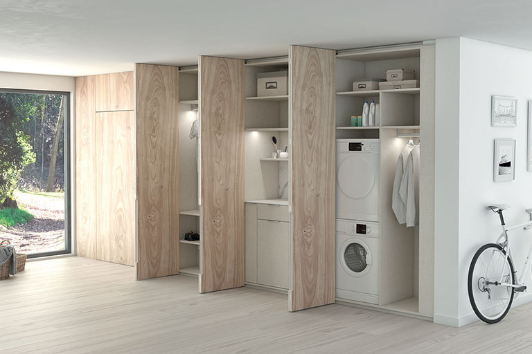 Mueble lavadero con puertas abiertas
